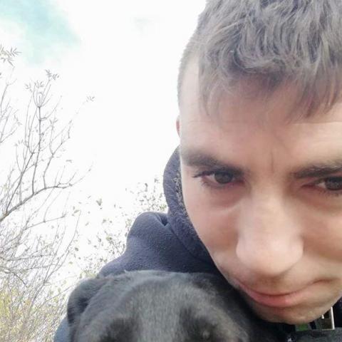 Benjamin, 26 éves társkereső férfi - Előszállás