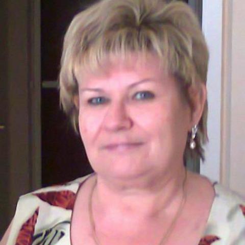 Böbi, 69 éves társkereső nő - Szolnok