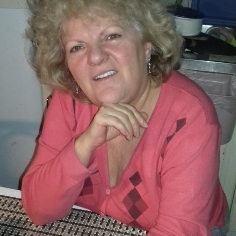 Szilvia, 63 éves társkereső nő - Gárdony