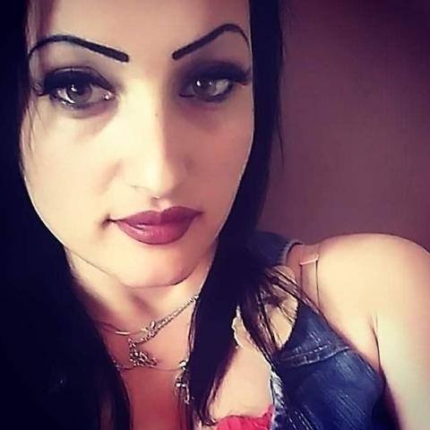 Renáta, 29 éves társkereső nő - Kiskunfélegyháza