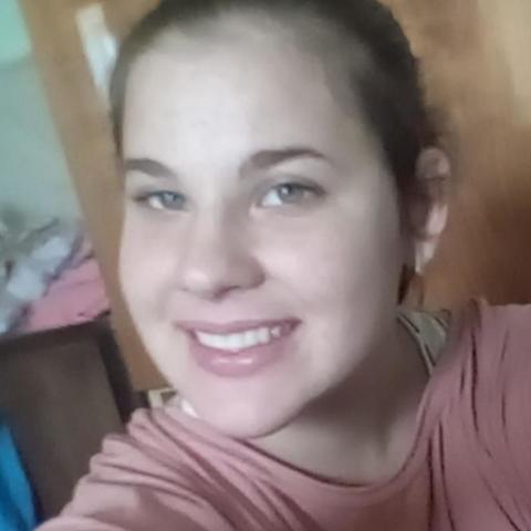 Viktória, 19 éves társkereső nő - Tolna