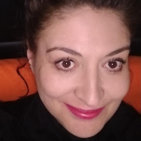 Kata, 45 éves társkereső nő -