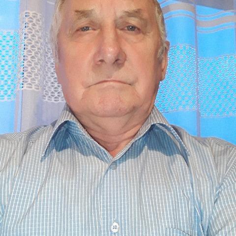 Andras, 72 éves társkereső férfi - Debrecen