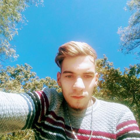 Ricsi, 19 éves társkereső férfi - Táborfalva