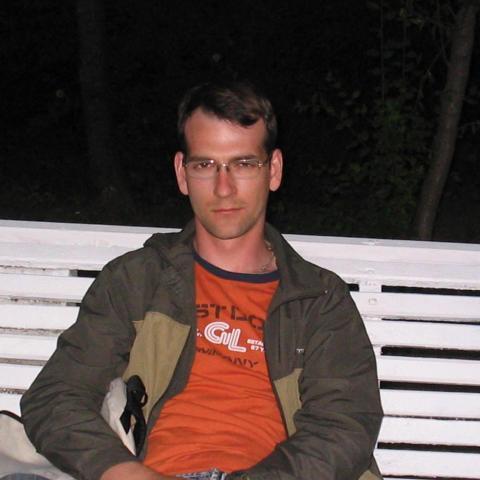 Róbert, 35 éves társkereső férfi - Nyírtelek