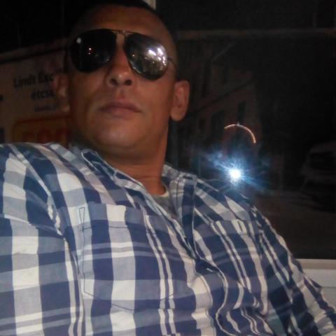 András, 38 éves társkereső férfi - Miskolc