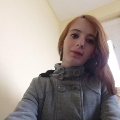 Iza, 19 éves társkereső nő - Nagyatád