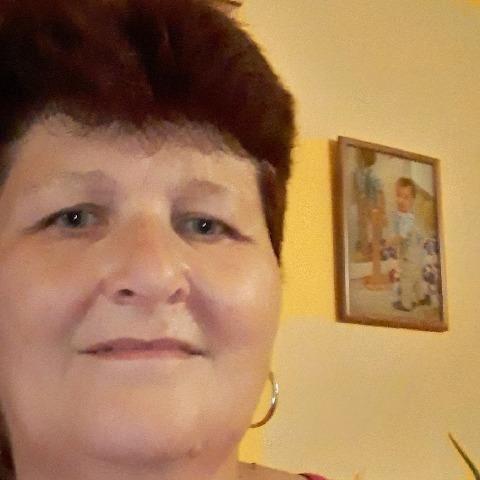Ágnes, 57 éves társkereső nő - Tác