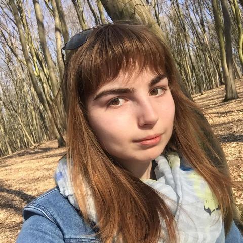 krisztina, 21 éves társkereső nő - marosvasarhely