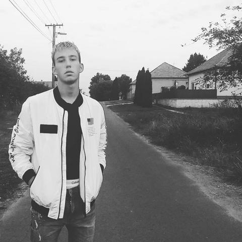 Gergő, 18 éves társkereső férfi - Békés