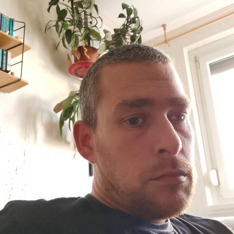 András, 32 éves társkereső férfi - Győr