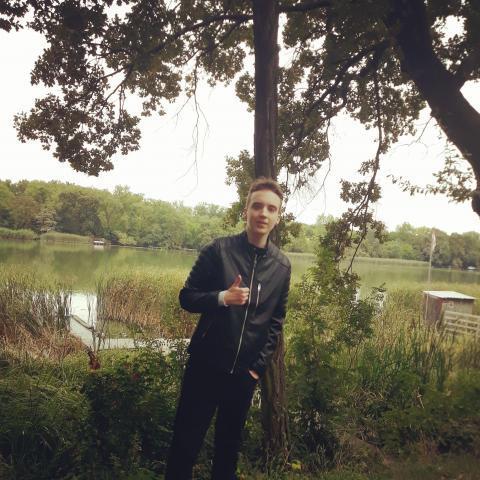 Bálint, 18 éves társkereső férfi - Szigetszentmiklós