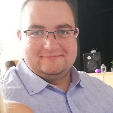 Gábor, 28 éves társkereső férfi - Dolinka