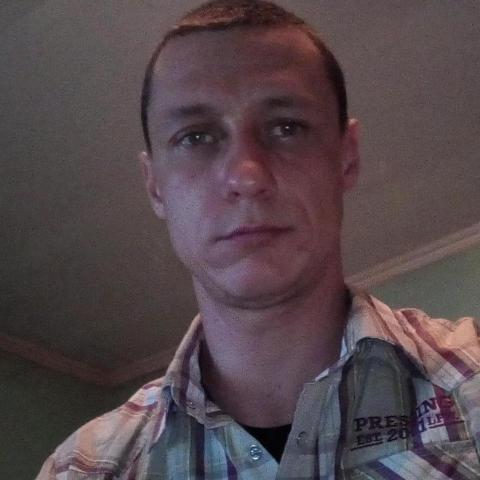 Atila, 30 éves társkereső férfi - V.