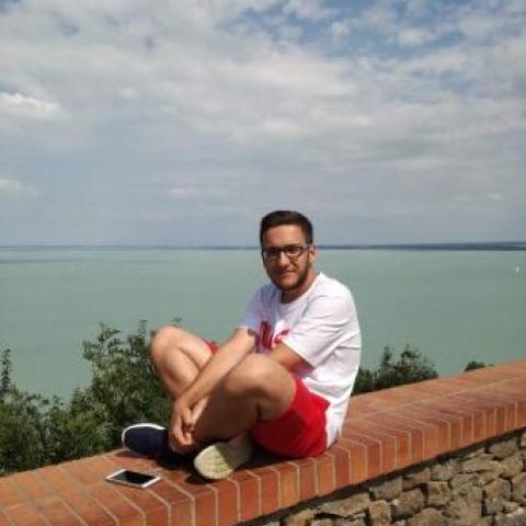 Kristóf, 21 éves társkereső férfi - Zalaegerszeg