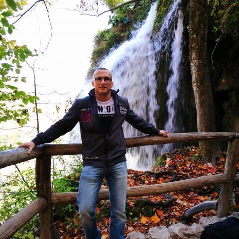 Péter, 35 éves társkereső férfi - Zalaegerszeg
