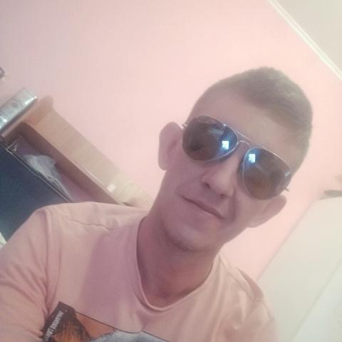 Zoli, 34 éves társkereső férfi - Szeged