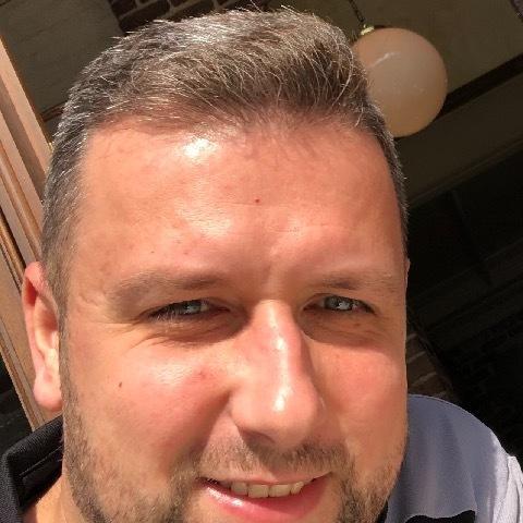 Attila , 37 éves társkereső férfi -