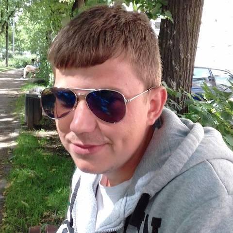 Béla, 28 éves társkereső férfi - Hatvan