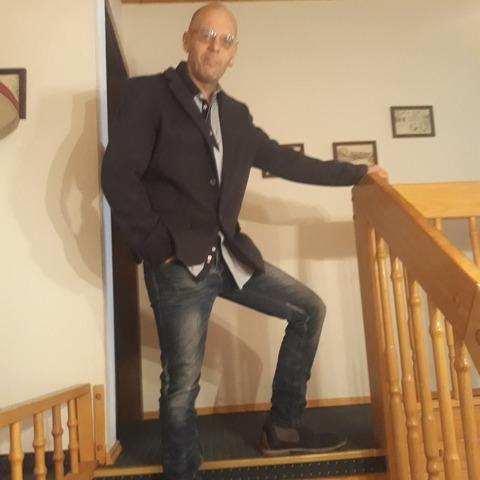 Róbert, 47 éves társkereső férfi - Pápa