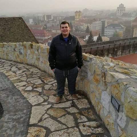 Gábor, 23 éves társkereső férfi - Csécse