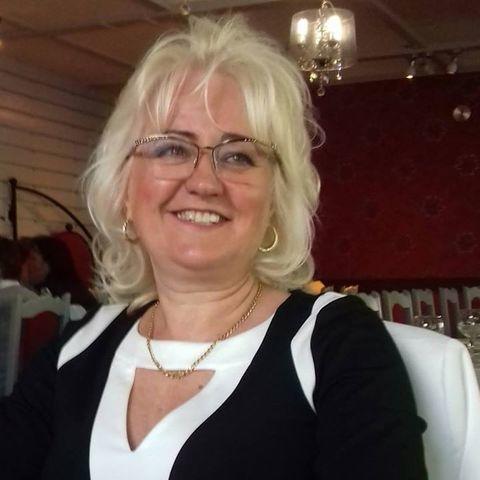 Emese, 60 éves társkereső nő - Szeged