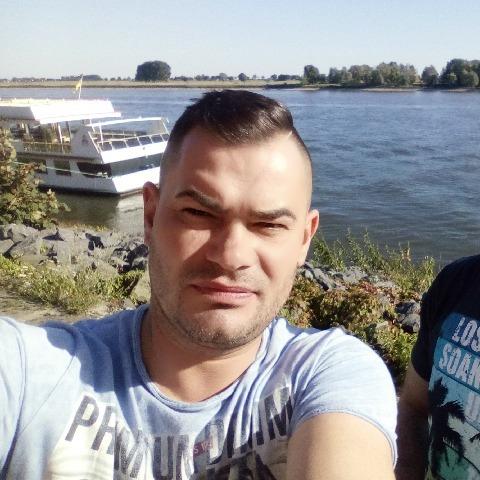 Jozsef, 41 éves társkereső férfi - Enschede