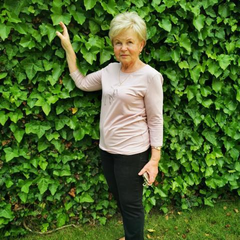Mari, 77 éves társkereső nő - Miskolc