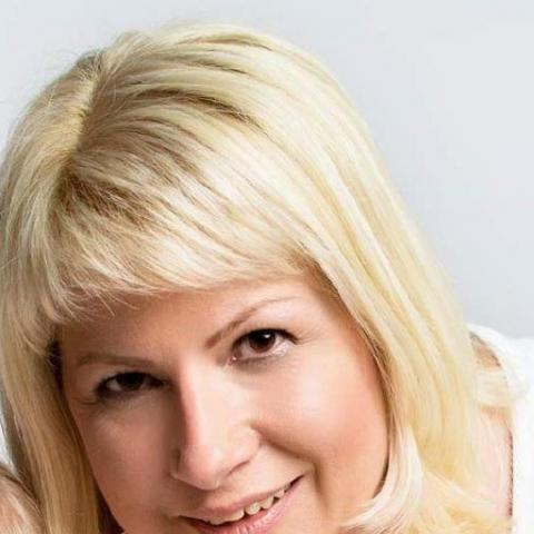 Orsi, 42 éves társkereső nő - Győr