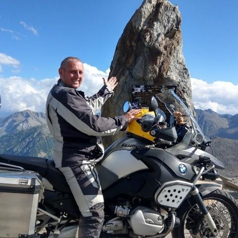 Zoltan, 41 éves társkereső férfi -