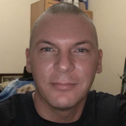 Kornél, 40 éves társkereső férfi - Miskolc