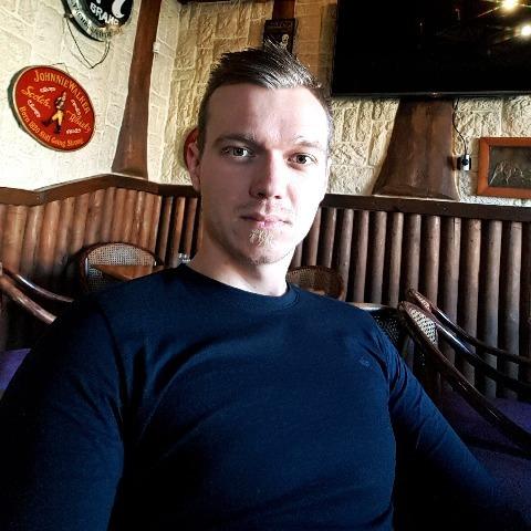 István, 28 éves társkereső férfi - Köröstarcsa