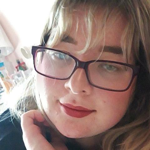 Dóra, 23 éves társkereső nő - Dunaszerdahely