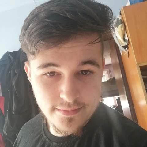 Ferenc, 20 éves társkereső férfi - Napkor