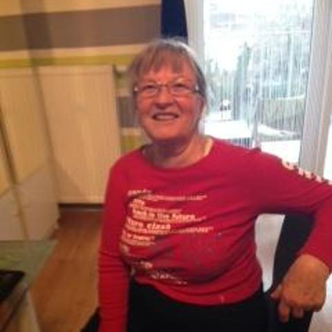 Ilike, 78 éves társkereső nő - Budapest