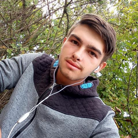 Dávid, 20 éves társkereső férfi - Csibrák