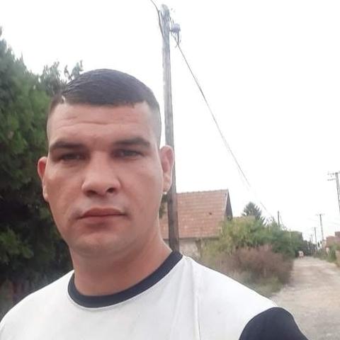 Csaba, 26 éves társkereső férfi - Dunaújváros