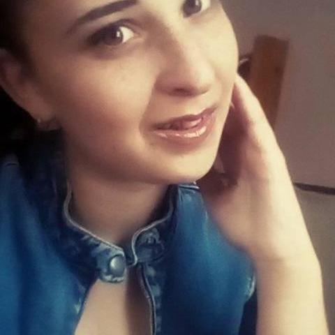 Vali, 20 éves társkereső nő - Nagydorog