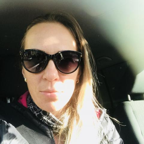 Kata, 34 éves társkereső nő -