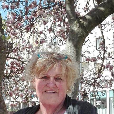 Ottilia, 64 éves társkereső nő - Veszprém