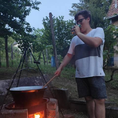 Soma, 18 éves társkereső férfi - Budapest