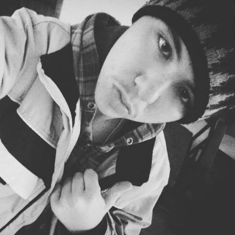 Atesz, 19 éves társkereső férfi - Zsadány