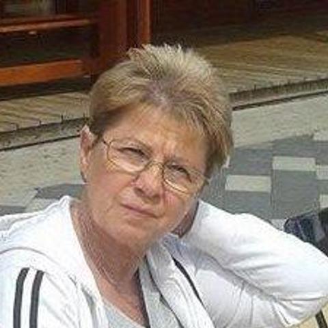 Éva, 68 éves társkereső nő - Salgótarján