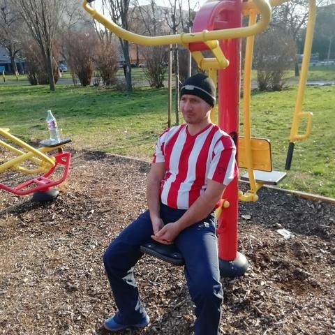 Szilveszter , 45 éves társkereső férfi - Szeged