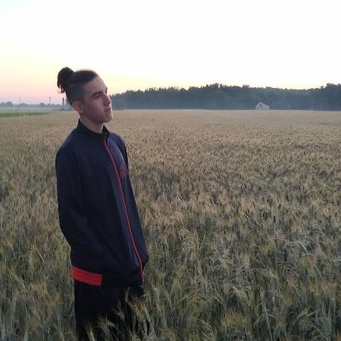 Ádám, 17 éves társkereső férfi - Székesfehérvár