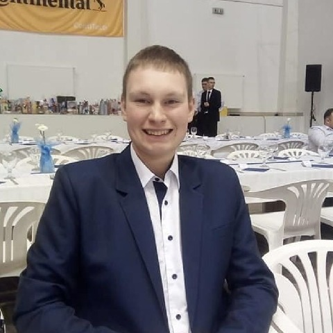 Tamás, 19 éves társkereső férfi - Apátfalva