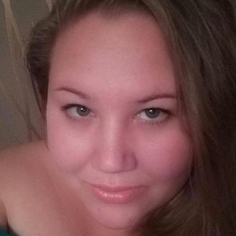 Adrienn, 27 éves társkereső nő - Kecskemét