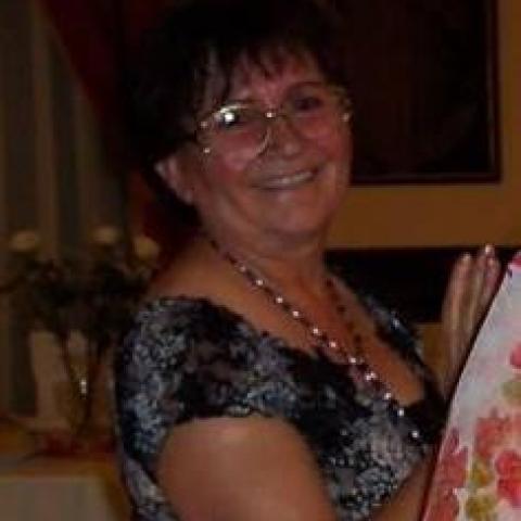 Zsóka, 69 éves társkereső nő - Kazincbarcika