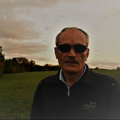 Egon, 59 éves társkereső férfi -