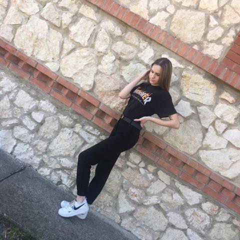 Eszter, 19 éves társkereső nő - Csősz